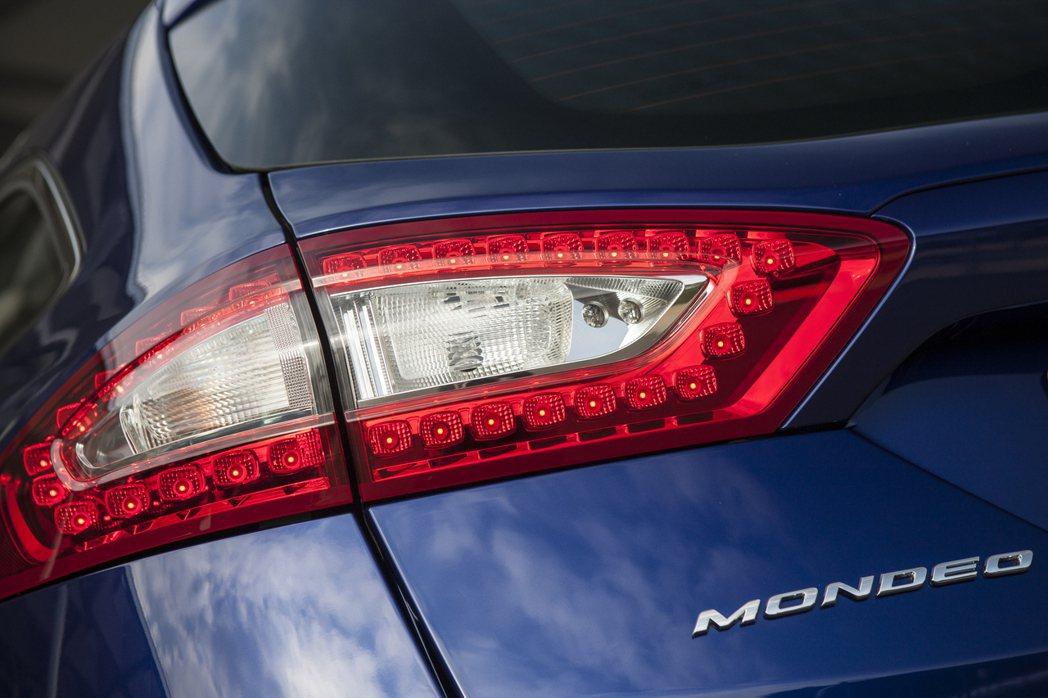 老牌房車Ford Mondeo也抵擋不了休旅當道與電動化的趨勢,繼美規車型停產後...