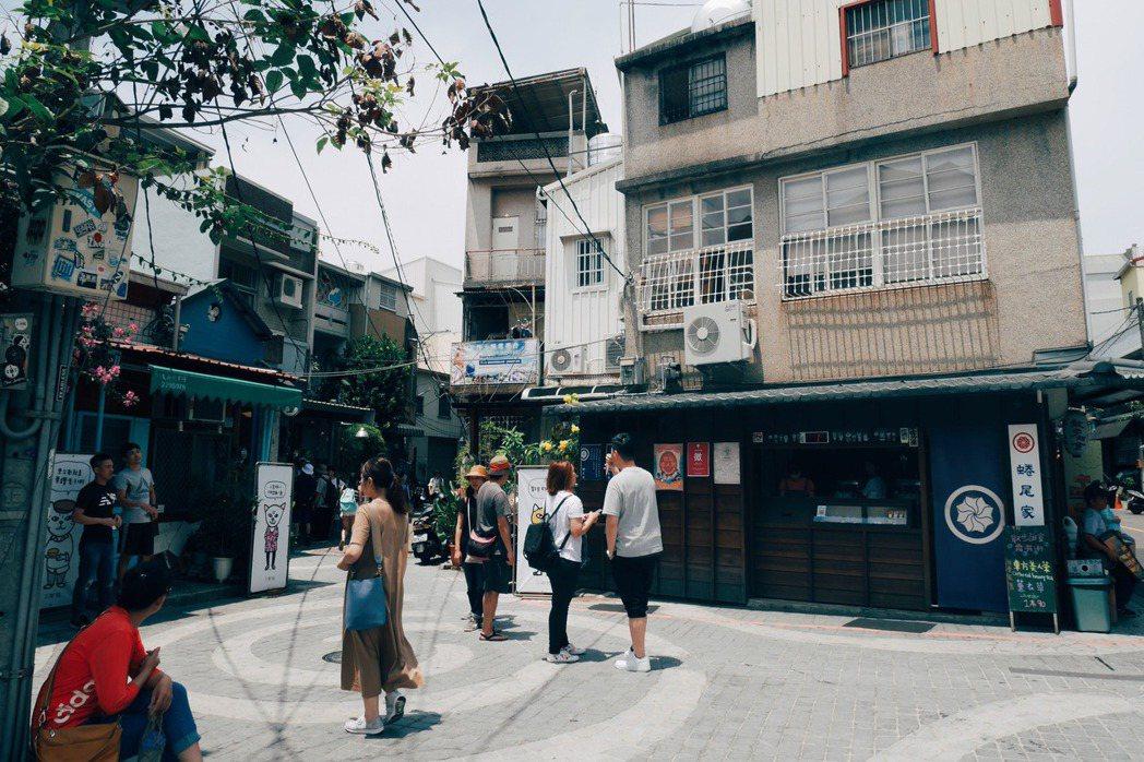 台南正興街由商家組織發起的假日封街,增進行人安全,也為商家增加收益。 圖/聯合報系資料照