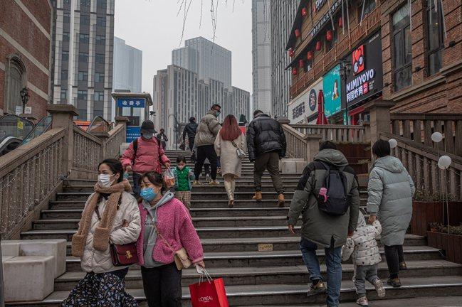 在疫情衝擊下,大陸去年上半年景氣低迷。 歐新社