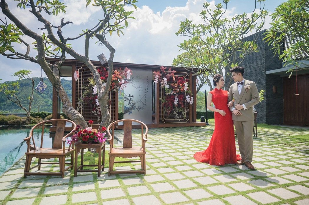 涵碧樓館內場景多元,其中庭園別墅特別吸引對於中式文定有興趣的海外華僑。
