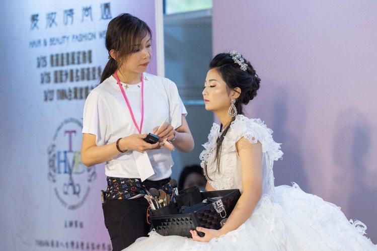 THBA帶來國際彩妝秀,展現最新的時尚。記者沈昱嘉/攝影