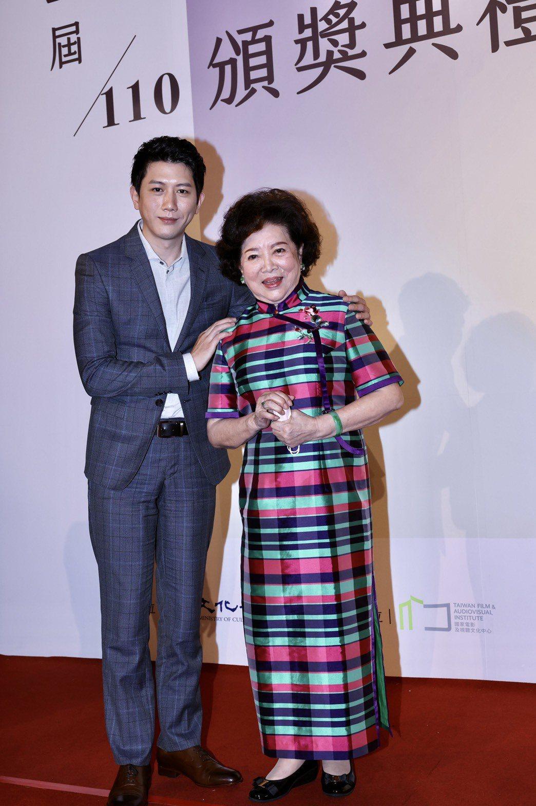 陳淑芳(右)、莫子儀(左)獲選台灣影評人協會的年度最佳男、女演員記者李政龍攝