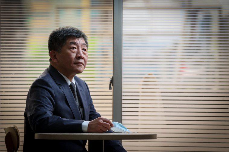 指揮中心指揮官陳時中表示,新冠疫苗採購受制賣方市場,是目前疫苗採購最大的痛。記者...