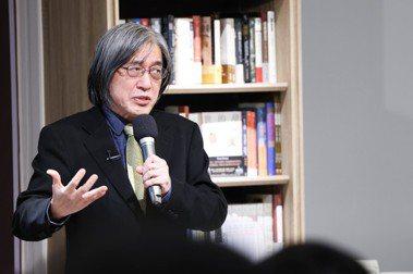 「辦案精神」剖析偵探小說史 ── 詹宏志談英國長篇推理小說鼻祖《月光石》