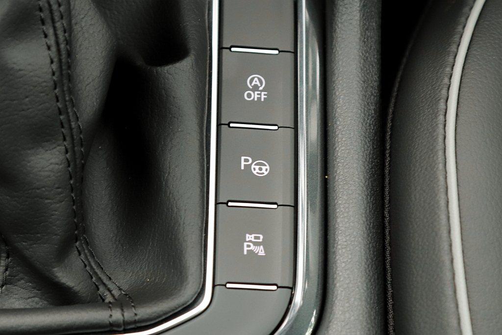 福斯Tiguan 280 TSI Elegance擁有較完善的輔助系統,不僅Vi...