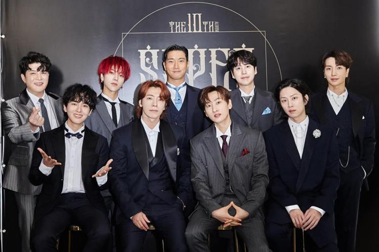 來台演出的常客 Super Junior,因為新冠肺炎疫情影響,已經睽違多時沒能見到台灣歌迷。他們日前接受台灣媒體訪問,直說等不及想再來台灣,銀赫更說想在舞台上呼喚歌迷們「老婆」。SJ現在已經成為資...