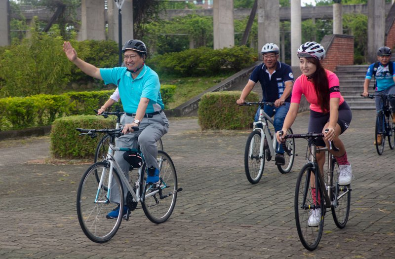 新竹縣為打造綠能低碳城市,推展綠色運輸,計畫建置公共自行車系統。圖/縣府提供