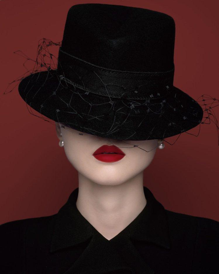Dior迪奧超完美持久唇露/單支售價1,300元。圖/Dior迪奧提供