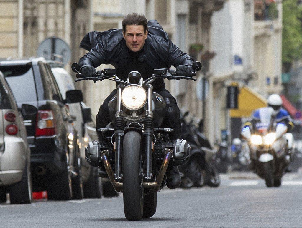 湯姆克魯斯出了名的喜歡自己親身演出動作場面。圖/摘自imdb