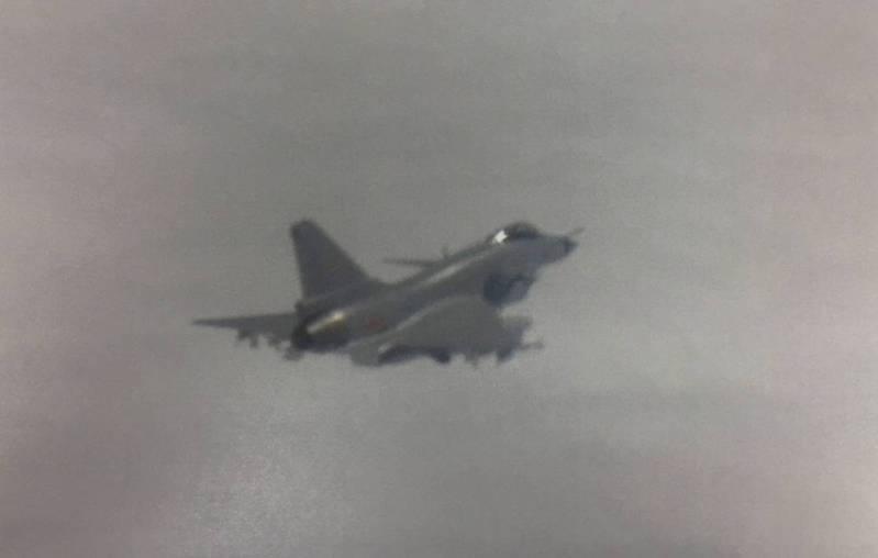 國防部公布殲10同型機照片。圖/國防部提供