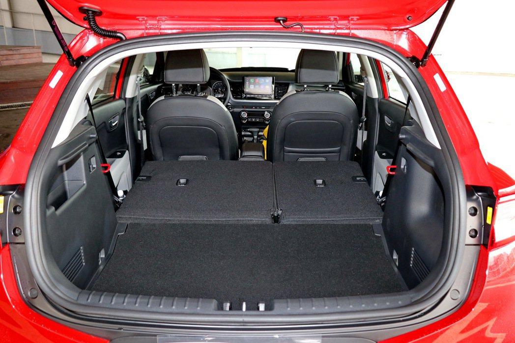 後行李廂最大可以創造1155L的大空間。 記者陳威任/攝影