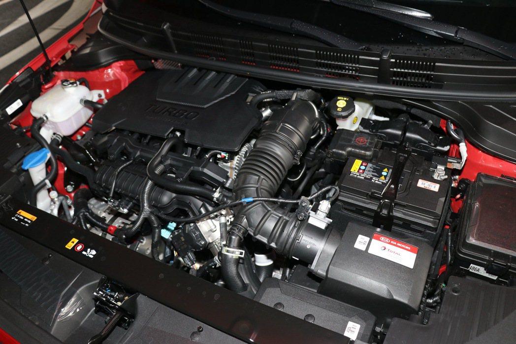 1.0T的汽油渦輪引擎。 記者陳威任/攝影