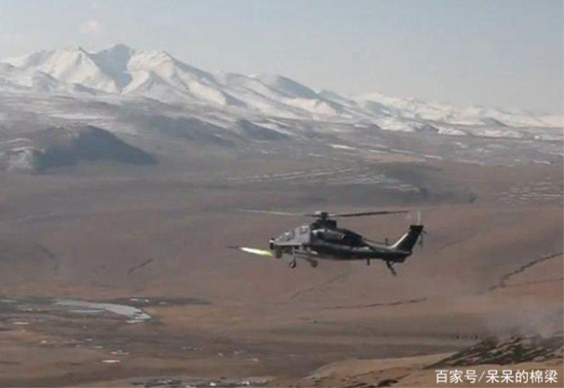 中共解放軍西藏軍區某陸航旅近日展開直10武裝直升機(武直10)列裝之後,首次多彈種實彈射擊訓練,檢驗陸航部隊在高原複雜環境下的火力打擊能力。(百度百家號)