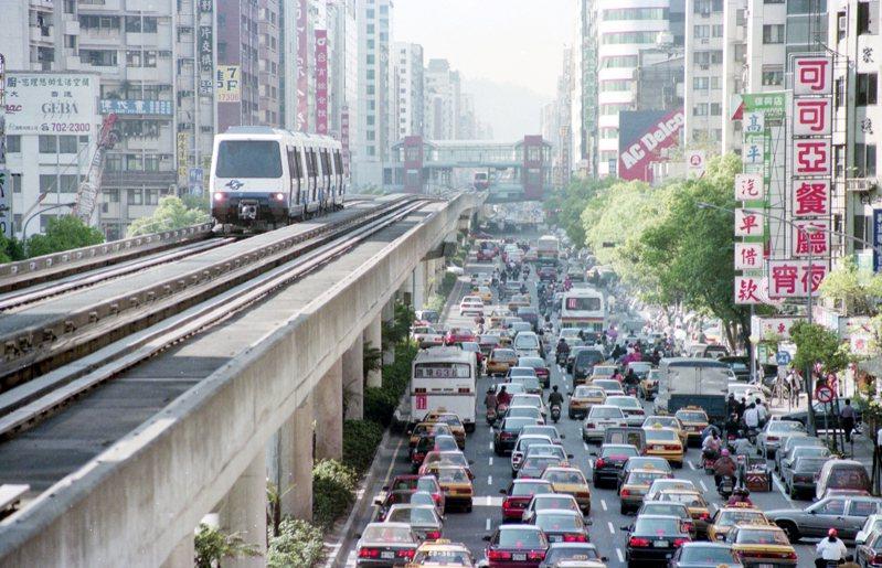 1996年03月28日,捷運木柵線正式通車。圖/聯合報系資料照片