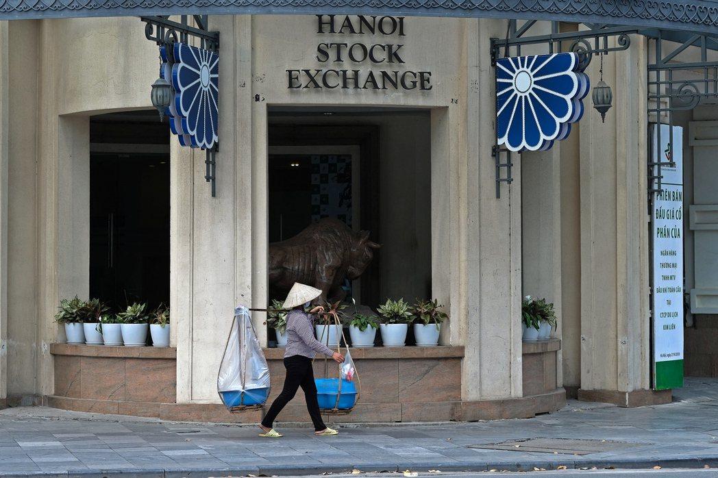 經理人建議布局越南股市時,可以主動型基金做為核心持股。(歐新社)