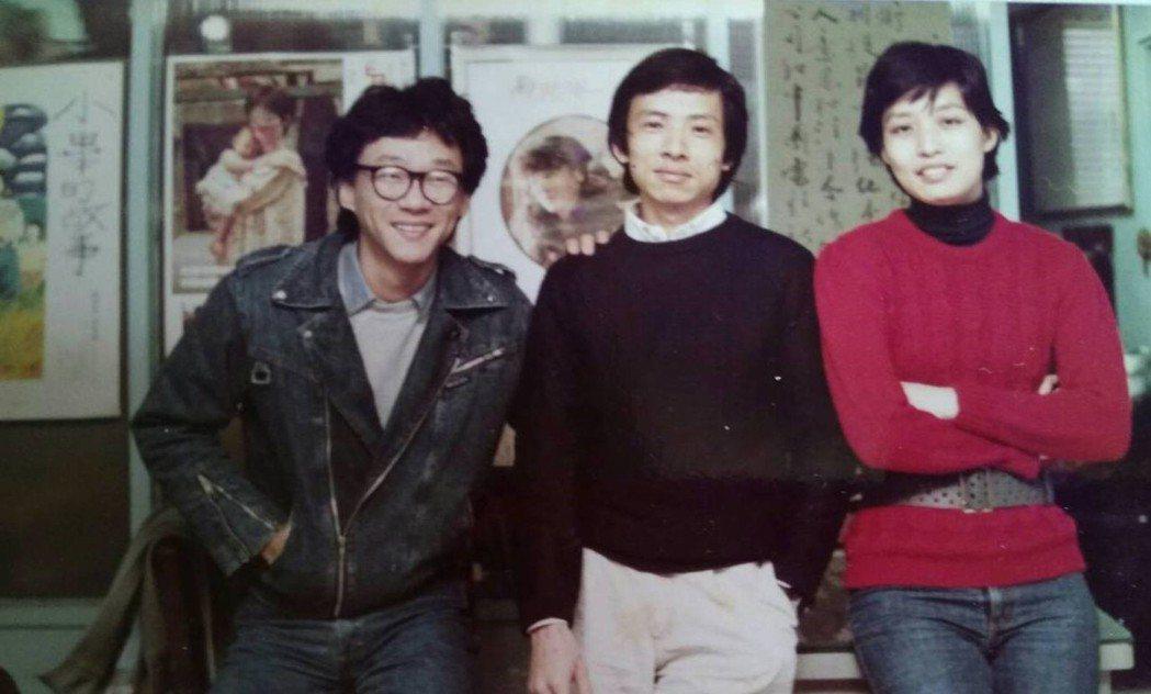 楊士琪(右)是新電影導演們「嚴厲的同伴」,左為楊德昌,中間是吳念真。圖/楊士琪紀...