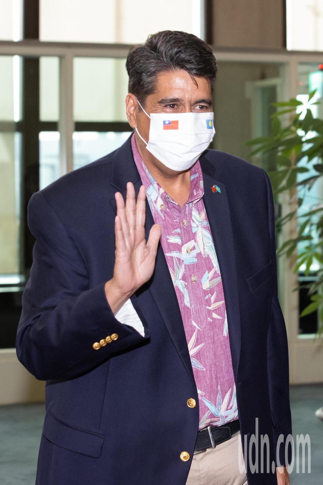 帛琉總統惠恕仁(如圖)率團28日下午搭乘中華航空公司班機抵達桃園機場,展開5天訪...