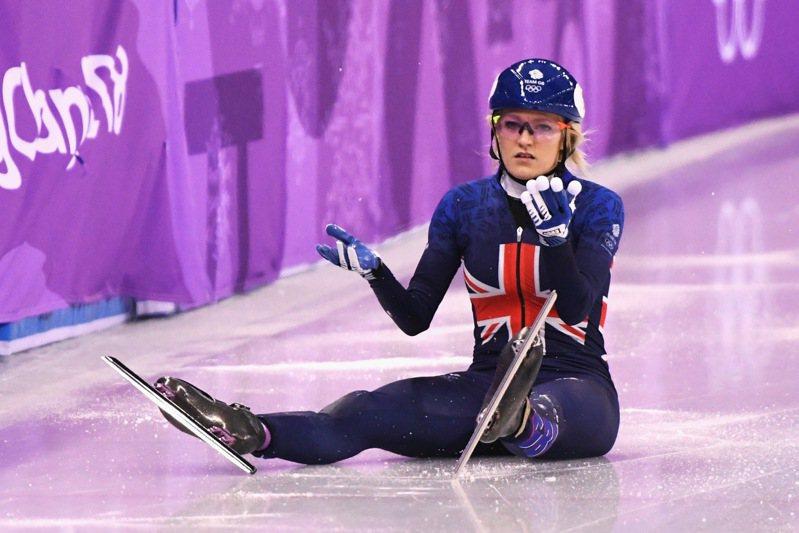克莉絲蒂為奧運短道競速滑雪選手,近日晚上在披薩店打工存錢。圖/取自太陽報