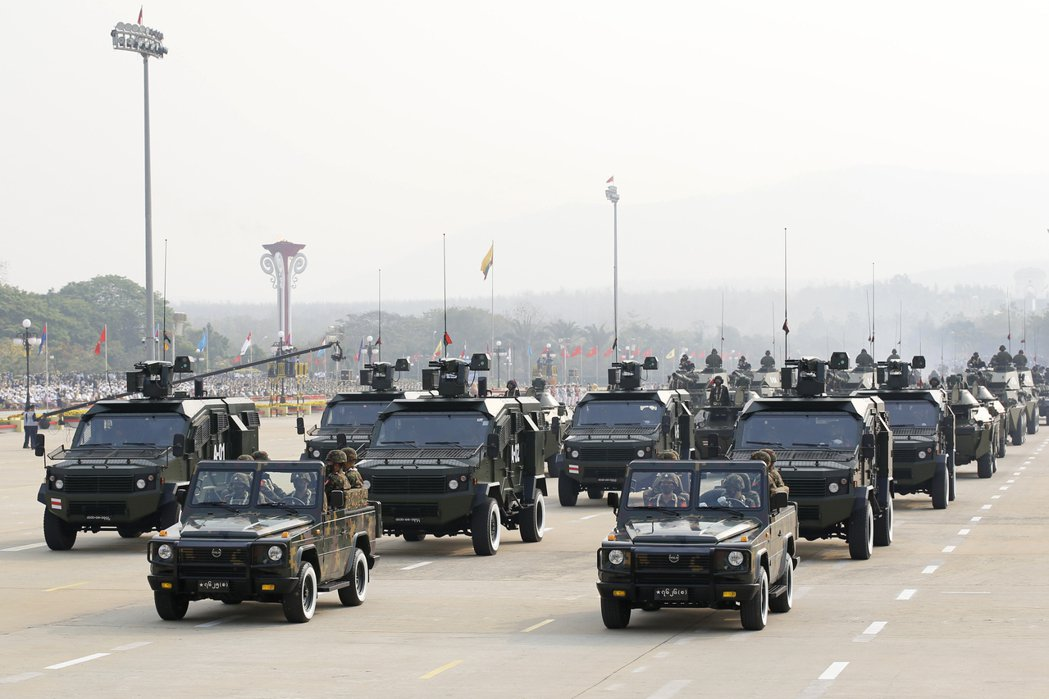 緬甸軍政府徹頭徹尾的統治正當性崩壞,且在全民不合作運動與國際加重制裁的孤立封鎖下...