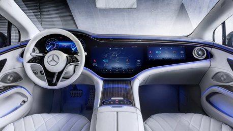 你家電視有我大嗎?賓士EQS旗艦電動車56吋曲面螢幕搶先曝光!