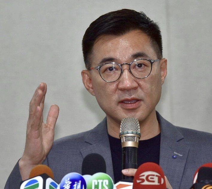 國民黨主席江啟臣提及「九二共識Plus」,江表示九二共識就是本於「中華民國憲法」,有「憲法」才有「一中各表」丶才有九二共識,為了避免誤解,講九二共識這事情,論述必須更清楚,叫做基於「憲法」的九二共識。記者黃義書/攝影