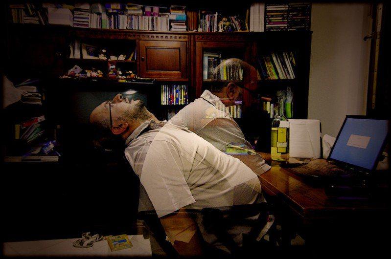 適度壓力激發潛能,過度壓力使人崩潰。(Photo by Giuseppe Savo on flickr under CC2.0)