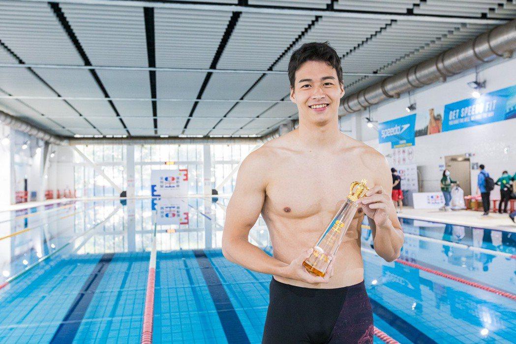 林敬倫游泳表現精湛。圖/台視提供