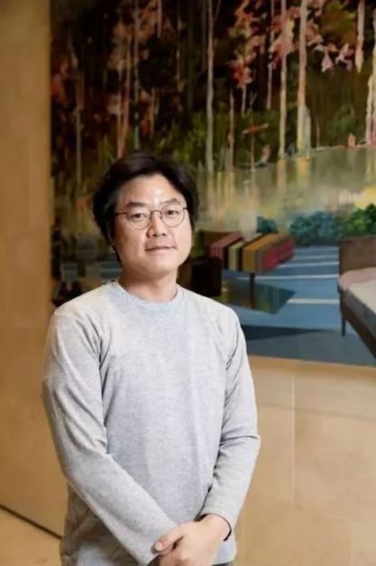 韓綜「尹食堂」為CJ ENM的「黃金製作人」羅䁐錫。圖/泰坦星文創提供