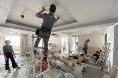 升三級警戒會影響「裝潢、房仲業」嗎? 過來人曝:都延後了