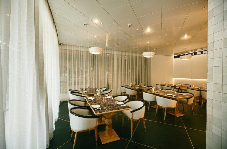富錦樹台菜香檳大直店以現代新古典風格為設計主軸。圖/富錦樹提供