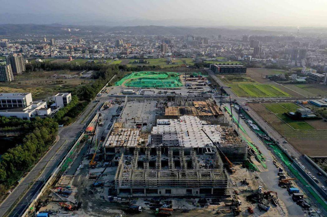 台積電第一條載板線就在即將完工的竹南廠。(天下雜誌/王建棟攝)