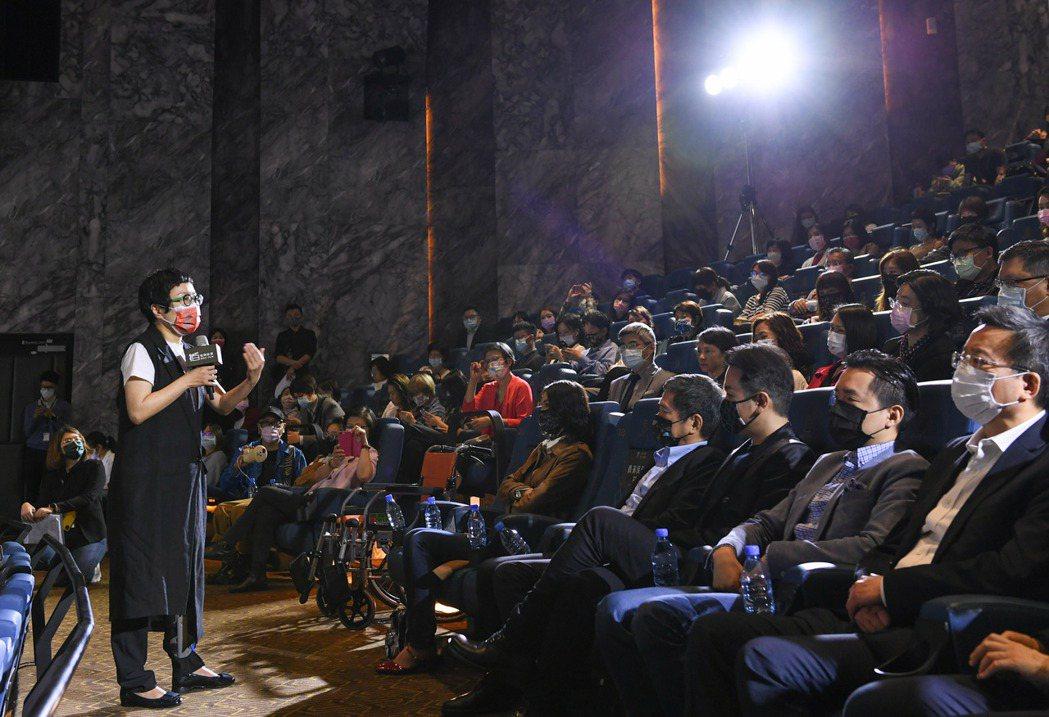 文策院董事長丁曉菁致詞時表示,文策院與四大影城共同投資成立公司,從通路、發行端開...