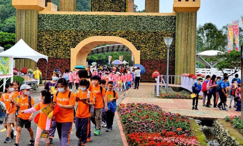 宜蘭縣政府今天宣布,清明及兒童節4天連假,全國12歲以下兒童到綠博入園都免費。圖/縣政府提供