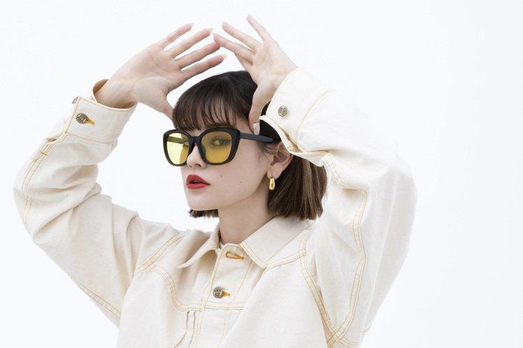 日本連鎖眼鏡品牌JINS與日本潮流大神Nigo合作,由其負責監修,打造全新的JI...