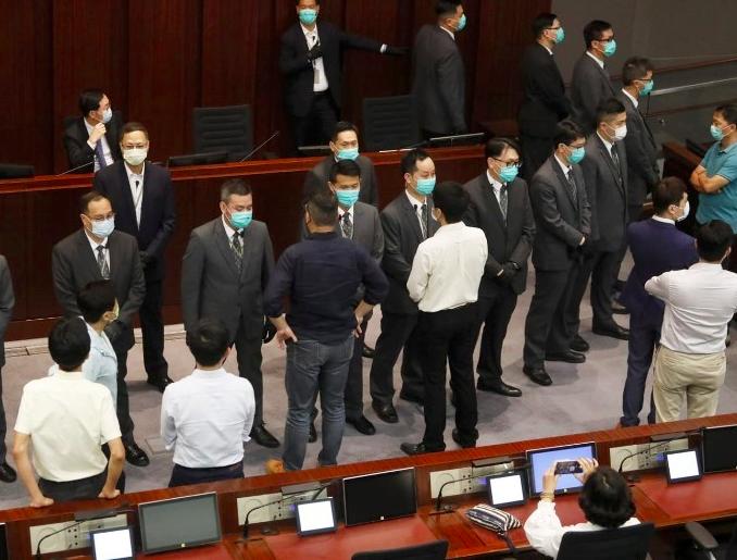 香港立法會主席梁君彥指出,港府會在下月中提交有關修訂香港選舉制度的草案,4月中將加開會議,立法會換屆選舉將於12月舉行。(圖/取自海外網)