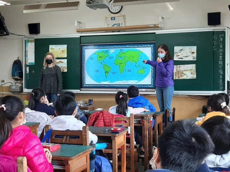 台中市斥資1.2億元,提升外師人數到102人,要拚六都第一。圖/台中市教育局提供