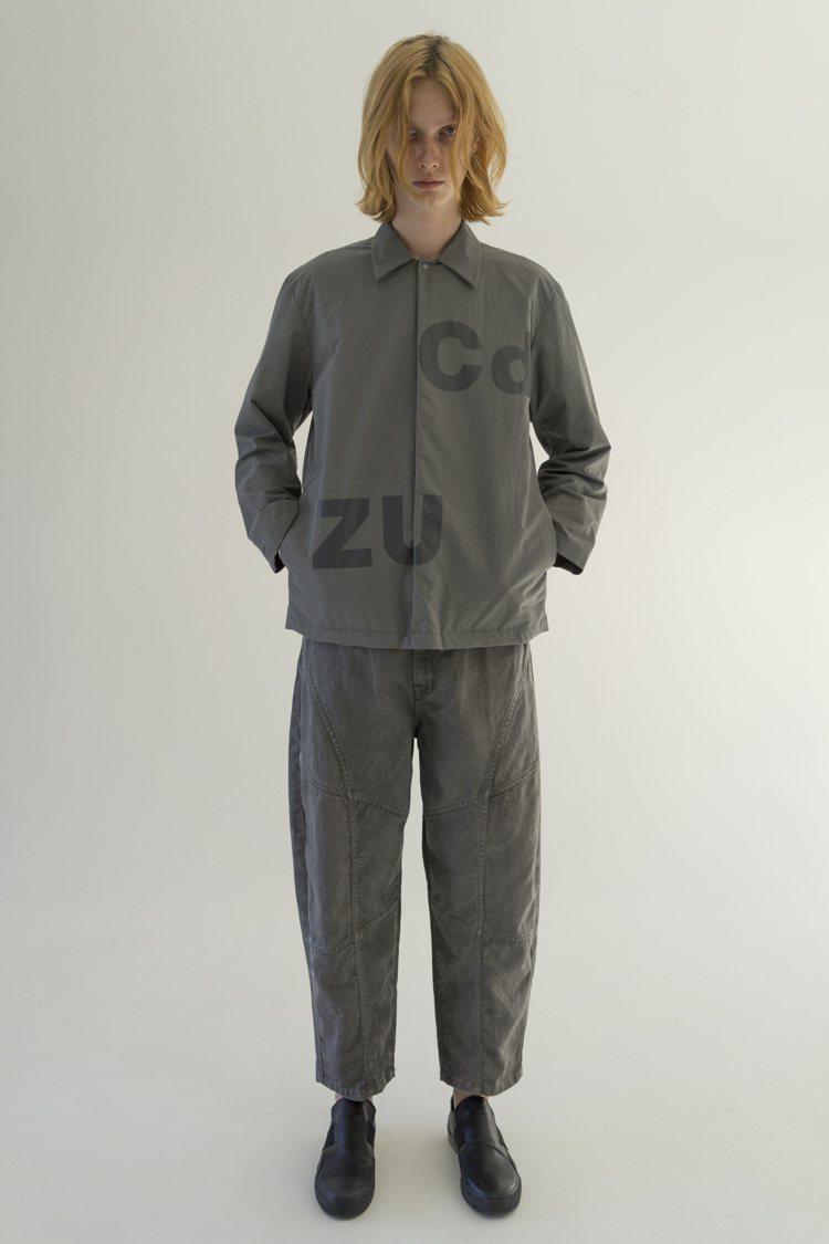 設計團隊利用 ZUCCa Logo轉印於外套,增添趣味與玩心。圖/君梵提供