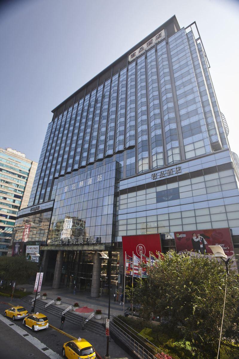 4月1日到5月9日,京站時尚廣場推出女王購物節。圖/京站時尚廣場提供