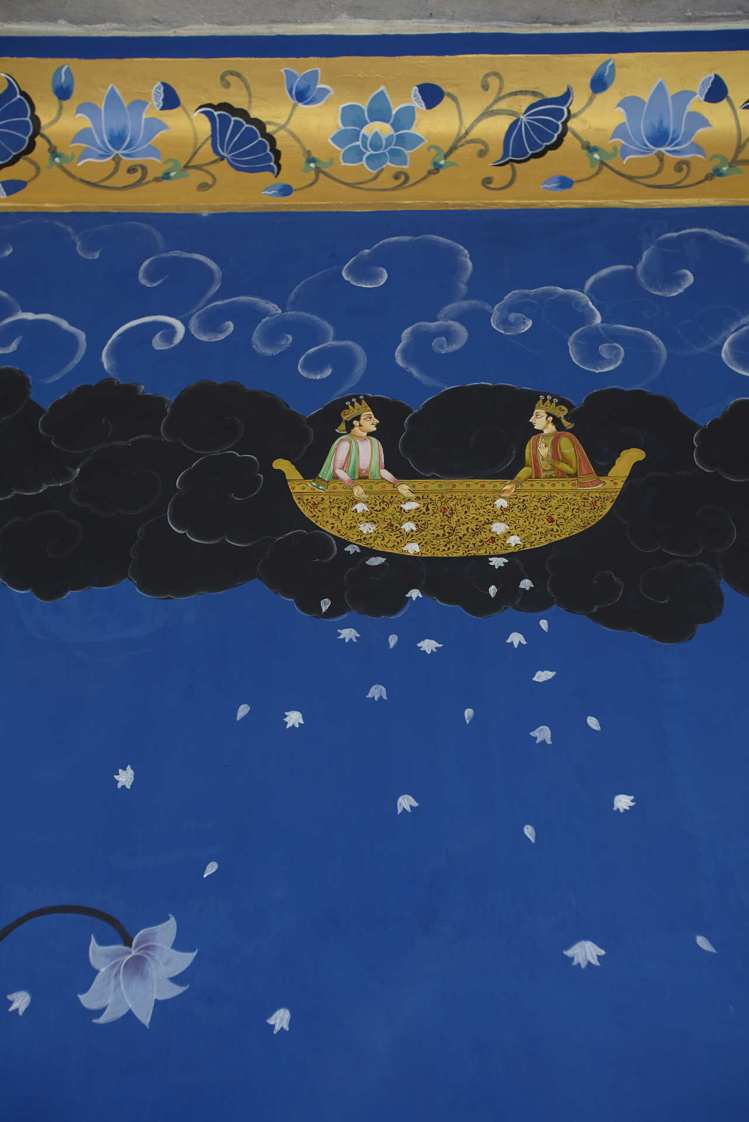 藍屋內取材自古印度神話的壁畫。圖/寬庭美學提供