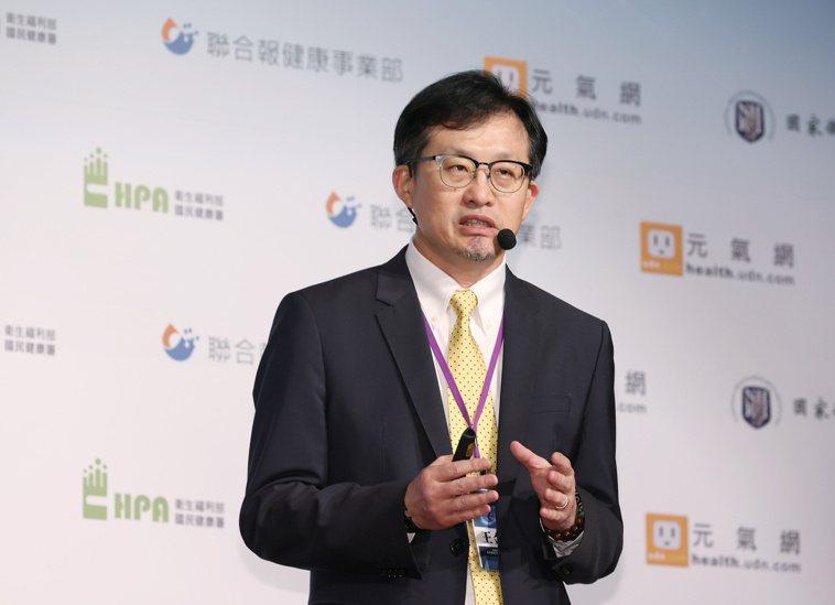 高雄長庚醫院內科部副部長、肺癌團隊召集人王金洲表示,病患如能優先找出致癌的驅動基...