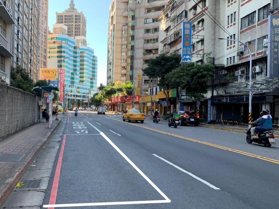 新北市交通局表示推動公車停靠區長度加倍至25公尺,今年將完成4處。圖/新北交通局...