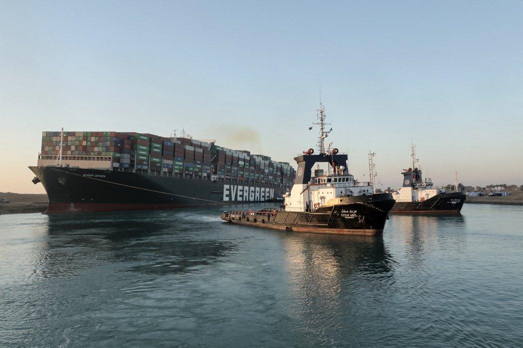 因為引水人沒有保險,所以船公司和保險公司通常將引水人的疏失約定成船長的責任範圍。 圖/法新社