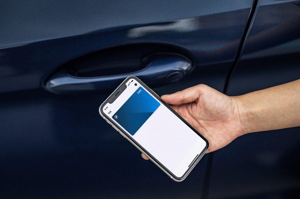 領先對手的iPhone手機數位鑰匙搭配智慧Comfort Access免鑰匙系統...