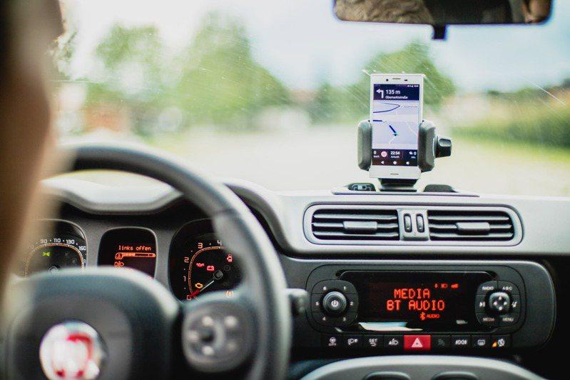 Apple Maps加入了測速照相機的提醒,台灣地區也適用。示意圖/Ingimage