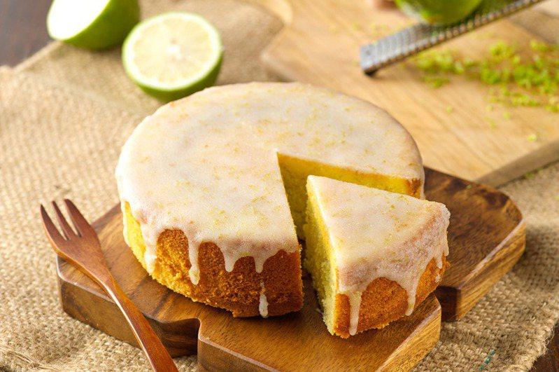 法國鄉村手作檸檬蛋糕。(圖/阿默典藏蛋糕提供)
