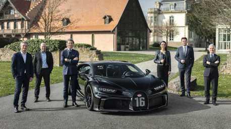 第300台Bugatti Chiron「夜曲」誕生 內外觀全數黑化殺氣滔天!