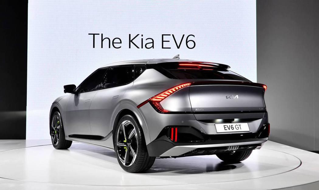全新Kia EV6純電動車在韓國開放預售的第一天就收穫了21,016張訂單。圖為...