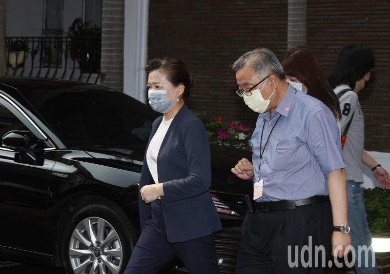 經濟部長王美花出席立法院經濟委員會,真的三接興建議題,表示仍希望能如期上路。記者曾原信/攝影