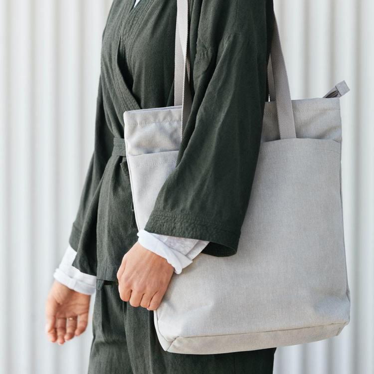 IKEA文青風的DRÖMSÄCK側背包。圖/IKEA提供