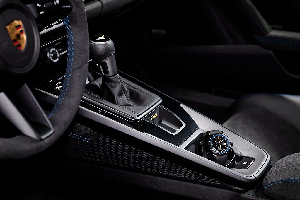 與全新保時捷911 GT3911 GT3一樣獨特的,還有Porsche Desi...